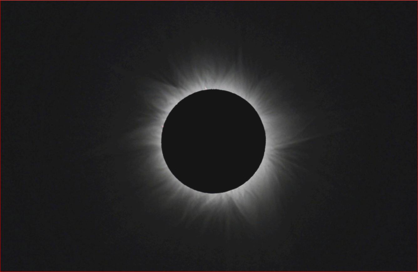 Total sun eclipse photographed from Australia: 64 KB; click on the image to enlarge at 975x785 pixels